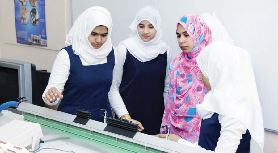 المرأة العمانية …انجازات نوعية في مختلف المجالات