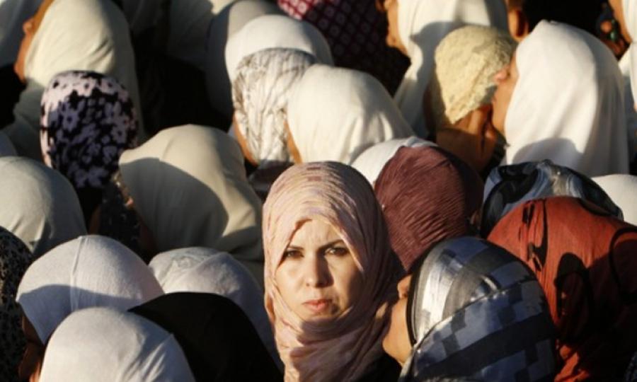 المرصد الأورومتوسطي: الحكومة اللبنانية مسؤولة عن إرتفاع عدد شبكات استغلال اللاجئات السوريات