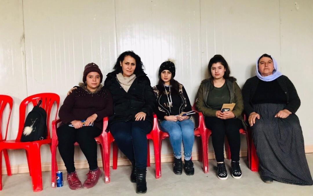 طبيبة كرست نفسها لمعالجة الناجيات الإيزيديات
