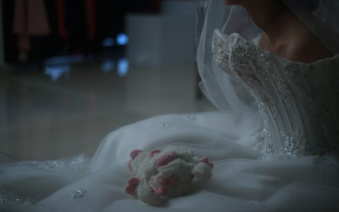 «تويتر» ينقد طفلة إيرانية من التزويج المبكر