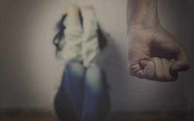 قضية عنف أسري هزّت الأردن… زوج فقأ عيني زوجته وأفقدها البصر!