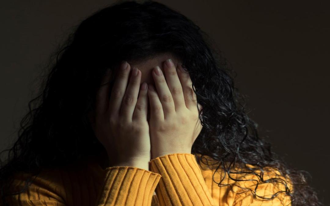 اليوتيوبر اللبناني جو أبو غزالة يبرر التحرش بالنساء!