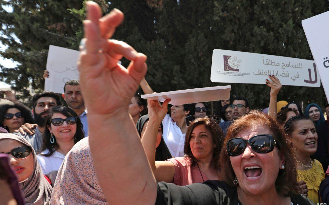 دهس طليقته وطعنها والنيابة العامة الفلسطينية تتهمه بالإيذاء الجسدي بدل الشروع بالقتل!