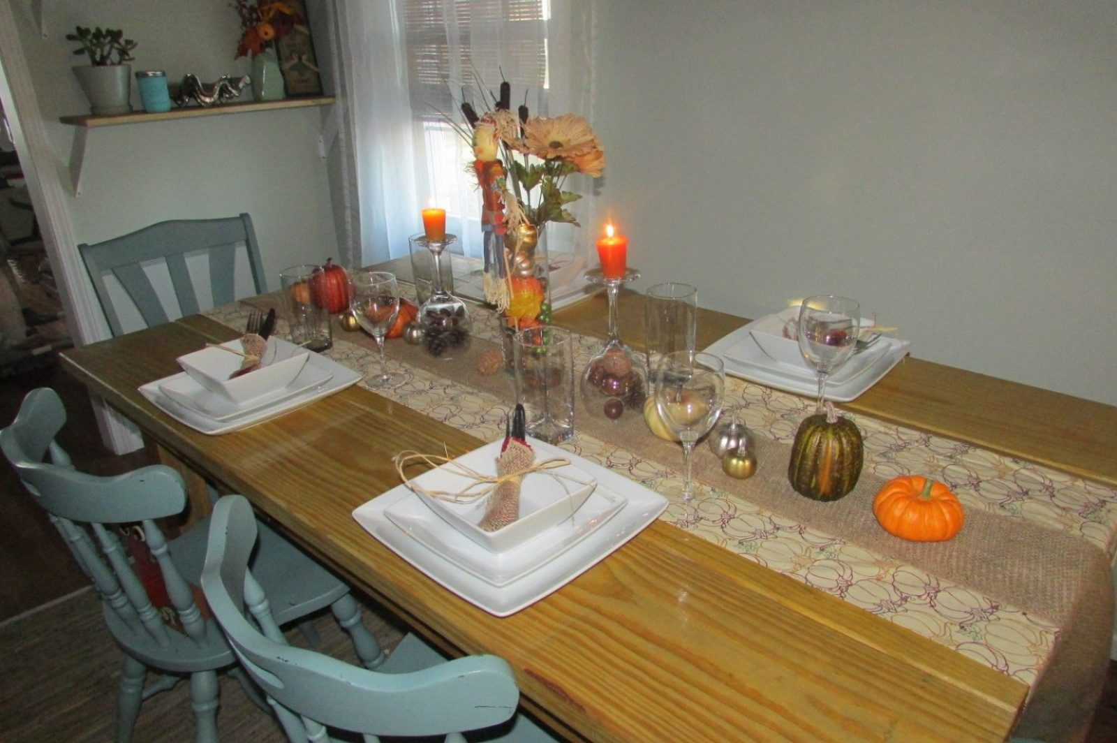 thanksgiving decorations table