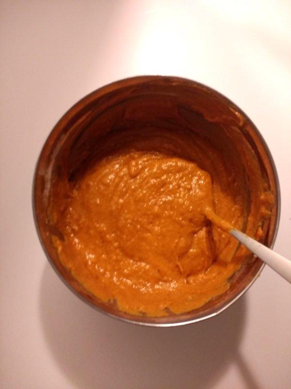 Pumpkin cream cheese muffins batter