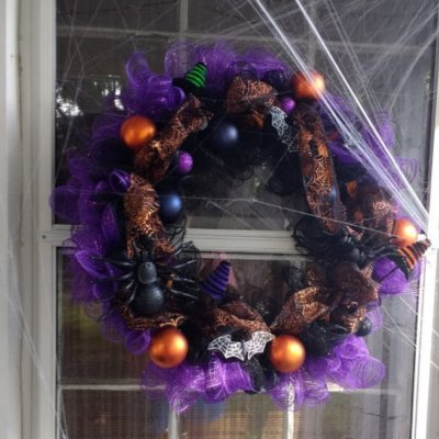 Deco Mesh Halloween Wreath Tutorial