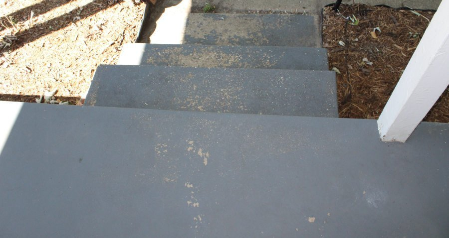 Paint a concrete porch - before