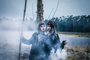 Psychara & Mai Agerlin - Forest witch shoot