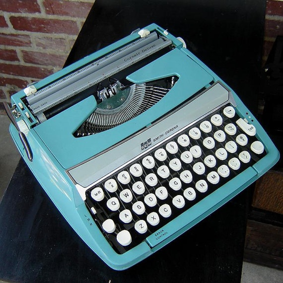 Vintage-Blue-Typewriter-Smith-Corona
