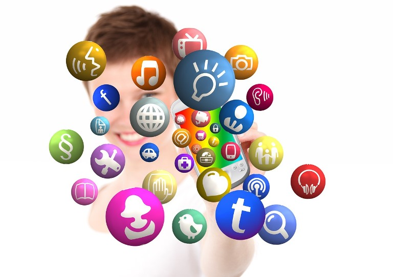 Building your online network with a social media virtual assistant essay