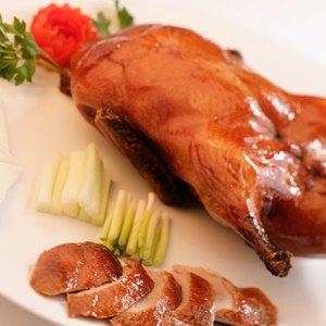Мясо цыпленка считается деликатесом. Цыпленок на мангале сочетает очень приятный и нежный вкус