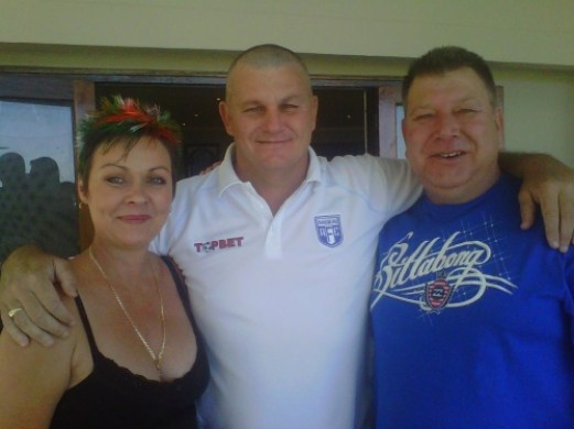 A huge thank you from Randburg Football Club to Nicola and Barry Shires who pledged a R1,000 to CANSA Shavathon for Kevin Mudie to shave a number 1