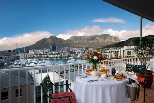 View to Table Mountain from The Commodore Hotel