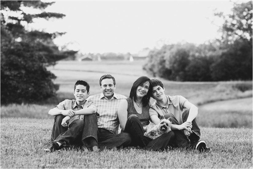 Family_Sesssion_With_OLder_Kids_Teenage_Boy_Family_session_how_to_pose_0048