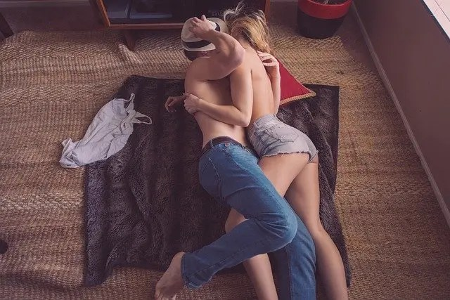 Hug Day Quotes For Love, Hug Day Romantic Messages