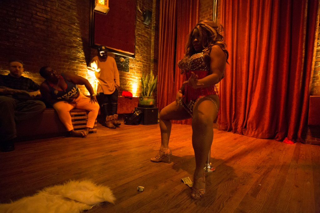 queer poc burlesque - www.shayaulait.com
