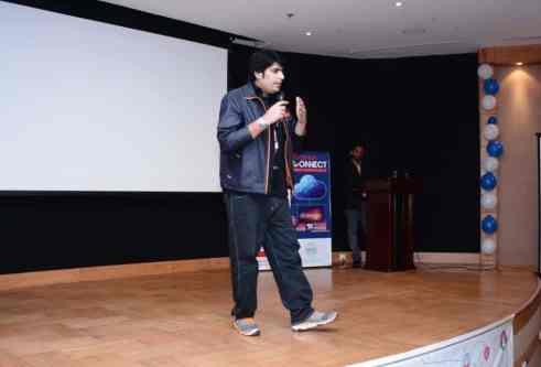 Ahmed Awais Pakistan famous blogger