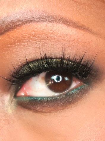 false lashes, how to apply, how to, falsies, chrissy woods
