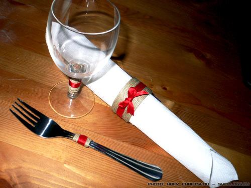 xmas table Διακοσμήστε το χριστουγεννιάτικο τραπέζι σας
