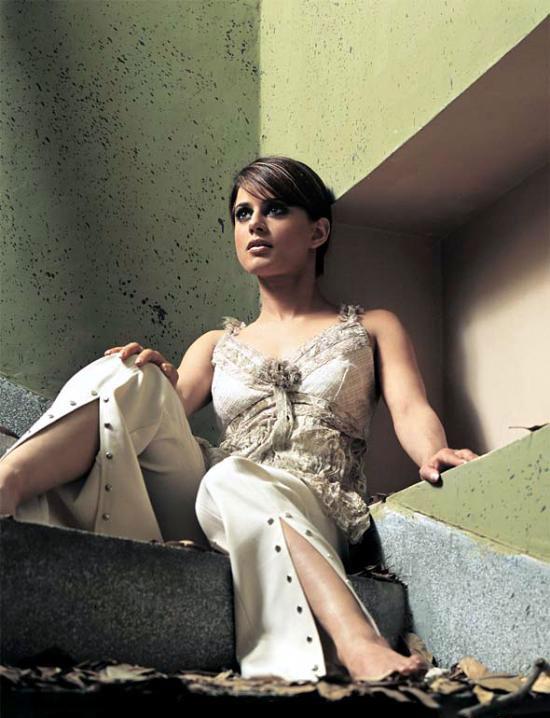 Mehreen Raheel Hot Photos  SheClickcom