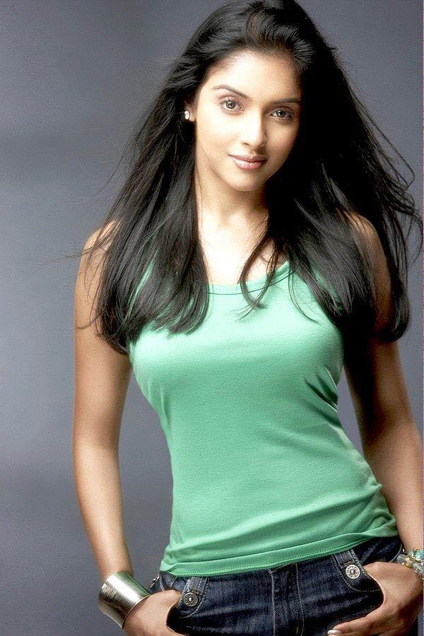 Asin Thottumkal Hot Actress  SheClickcom