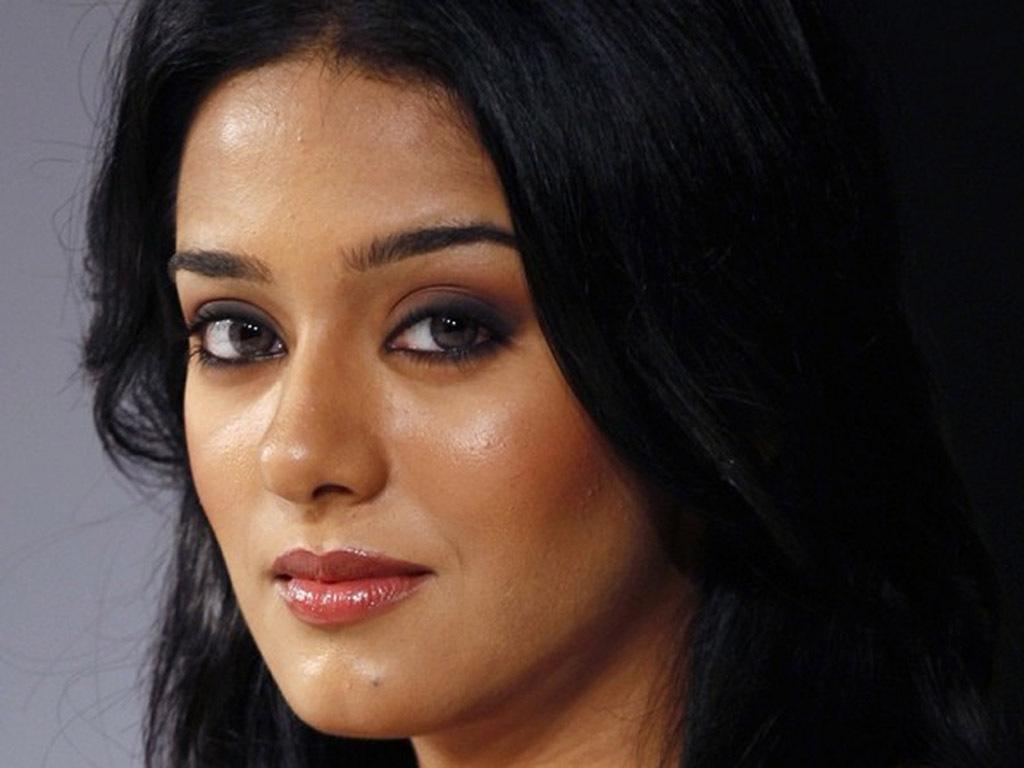 Amrita Rao Lips and Eyes Expose  SheClickcom