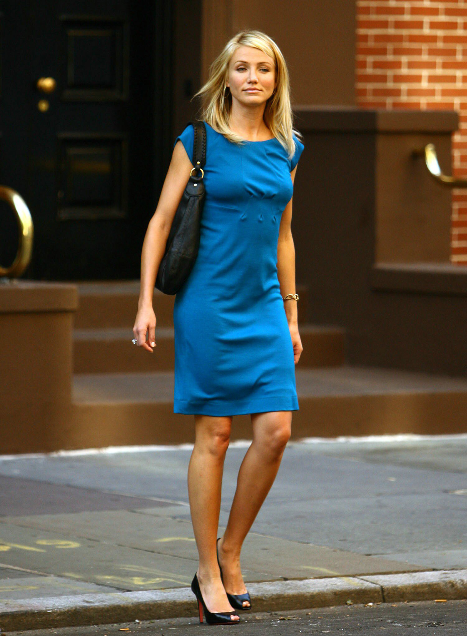 Cameron Diaz Height in Blue Dress  SheClickcom