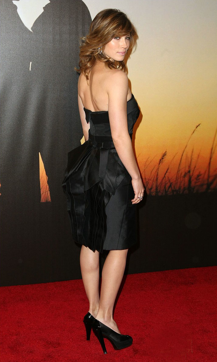 Jessica Biel Backless Hot Dress Trend  SheClickcom