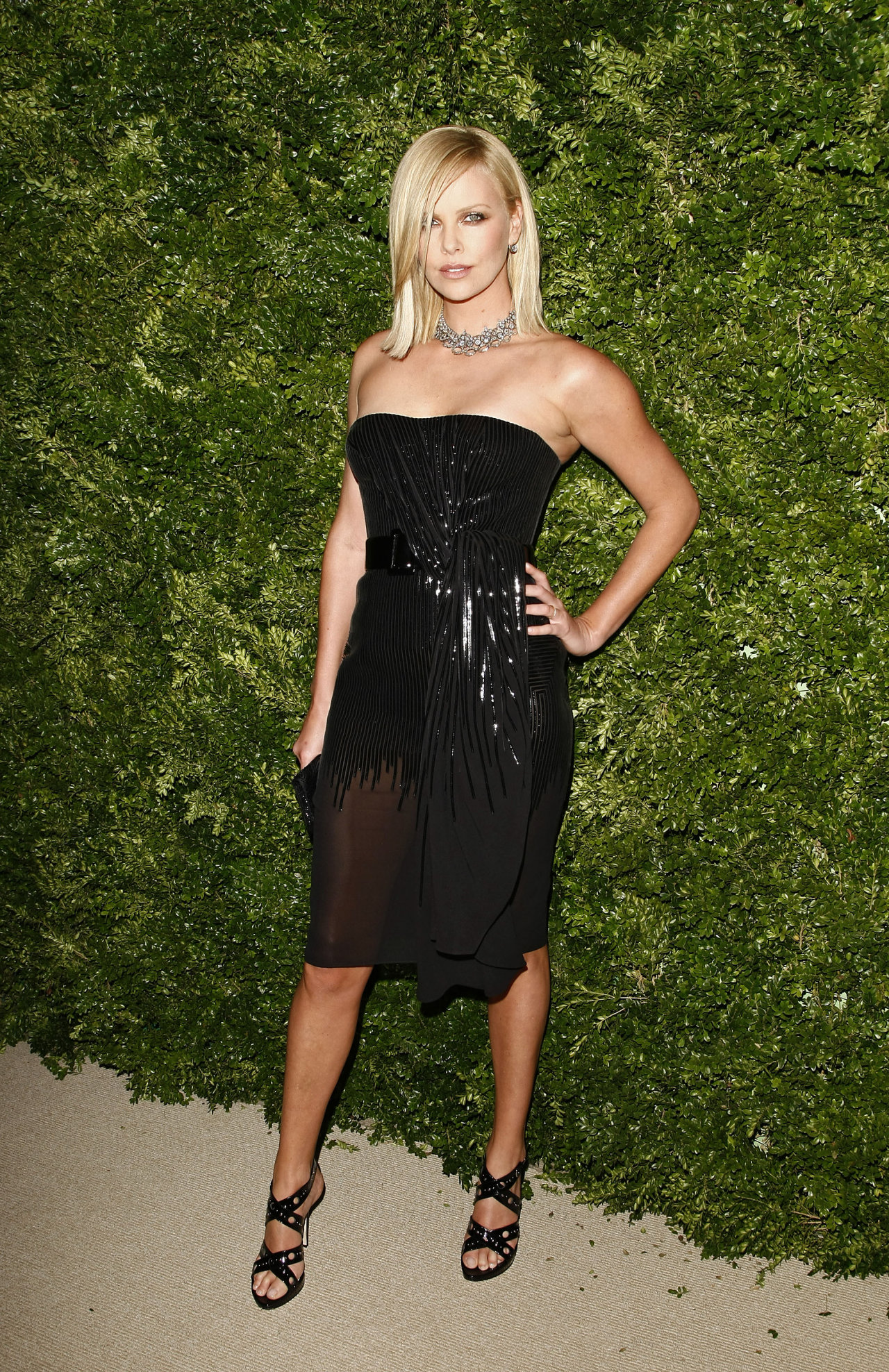 Charlize Theron in Party  SheClickcom
