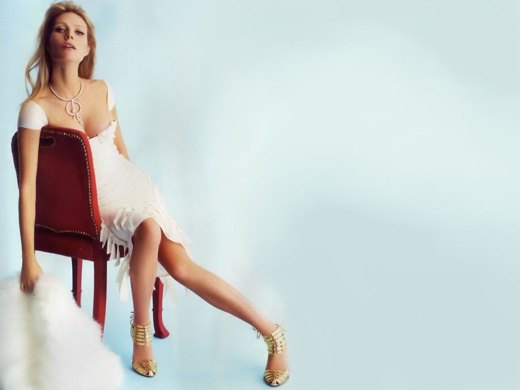 Gwyneth Paltrow Hot Pictures  SheClickcom