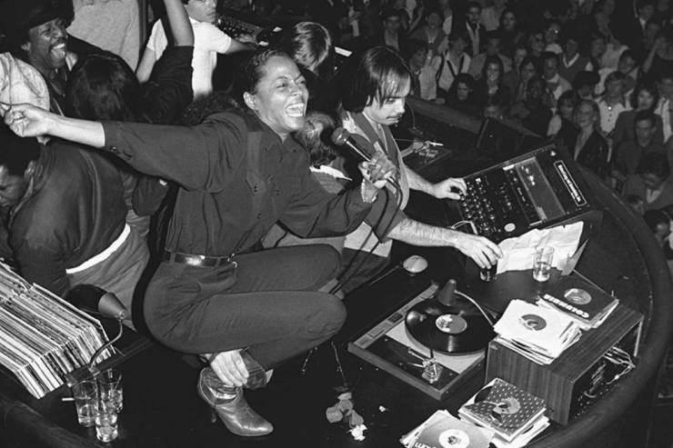 Diana-Ross-DJ-booth-Studio-54-New-York