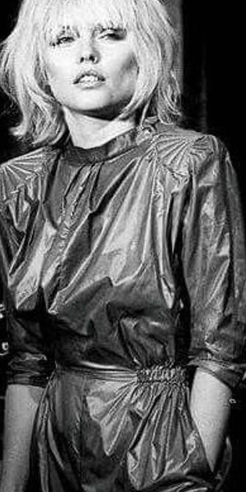 Sheen-Resistance-Lost-In-Disco-attire-27