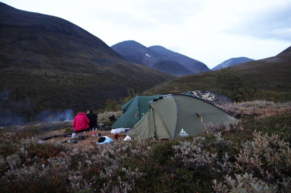 Zeltplatz auf dem Sattel zwischen Kieron Giddarvaron