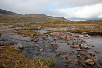 Überall sind Flüsse zu erblicken, einen guten Zeltplatz zu finden ist daher nicht schwer