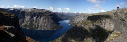 Der Preikestolen direkt neben der Trolltunga, eine Mini-Version des Namensvetters am Lysefjord