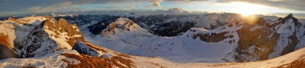 Ausblick vom Gipfel der Seekarlspitze auf Karwendel bis in die Tuxer Alpen