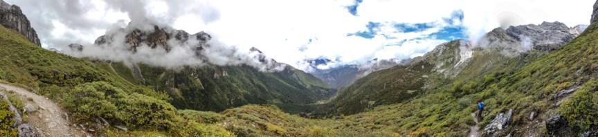 Blick in das nächste Tal hinein