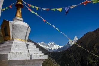 Auf dem Weg nach Tengboche rücken Everest und Ama Dablam ins Bild