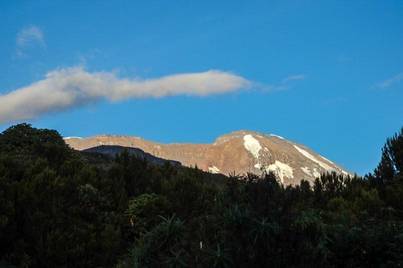 Der erste Blick auf den Kilimanjaro