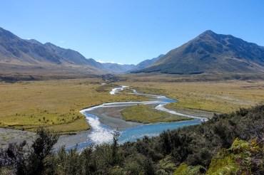 Vom See geht es nun über in das Flusstal vom Mararoa River