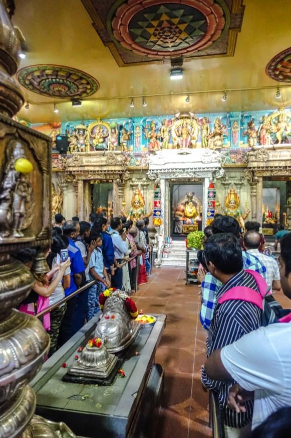 Zeremonie im Sri Veeramakaliamman Tempel