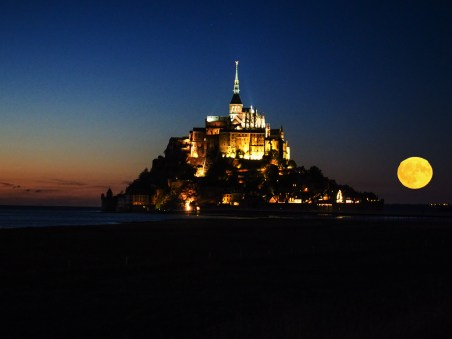 Mont Saint Michel im Vollmond