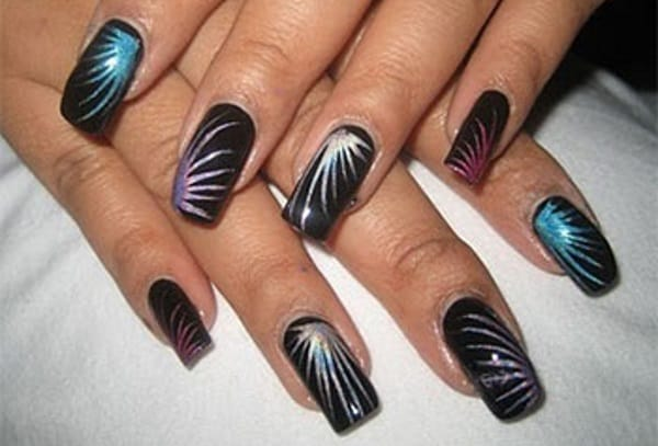 20 Romantic Fireworks Nail Art Designs