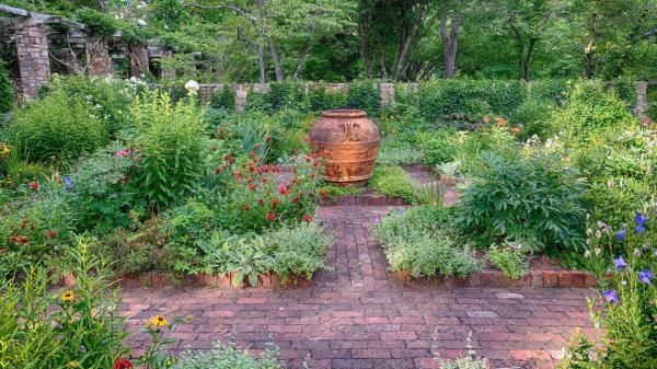 7 beautiful garden paths inspire
