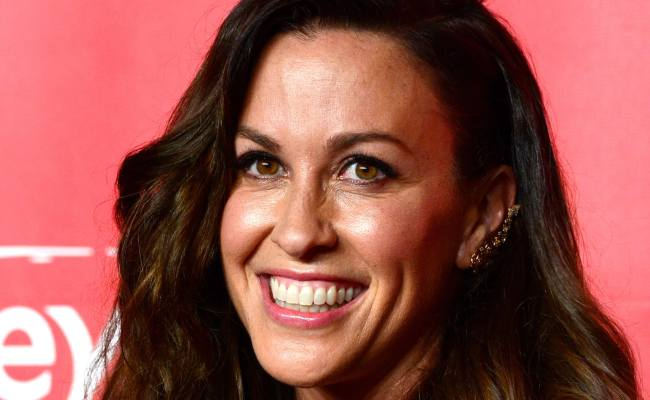 Alanis Morissette Opens Up About Postpartum Depression