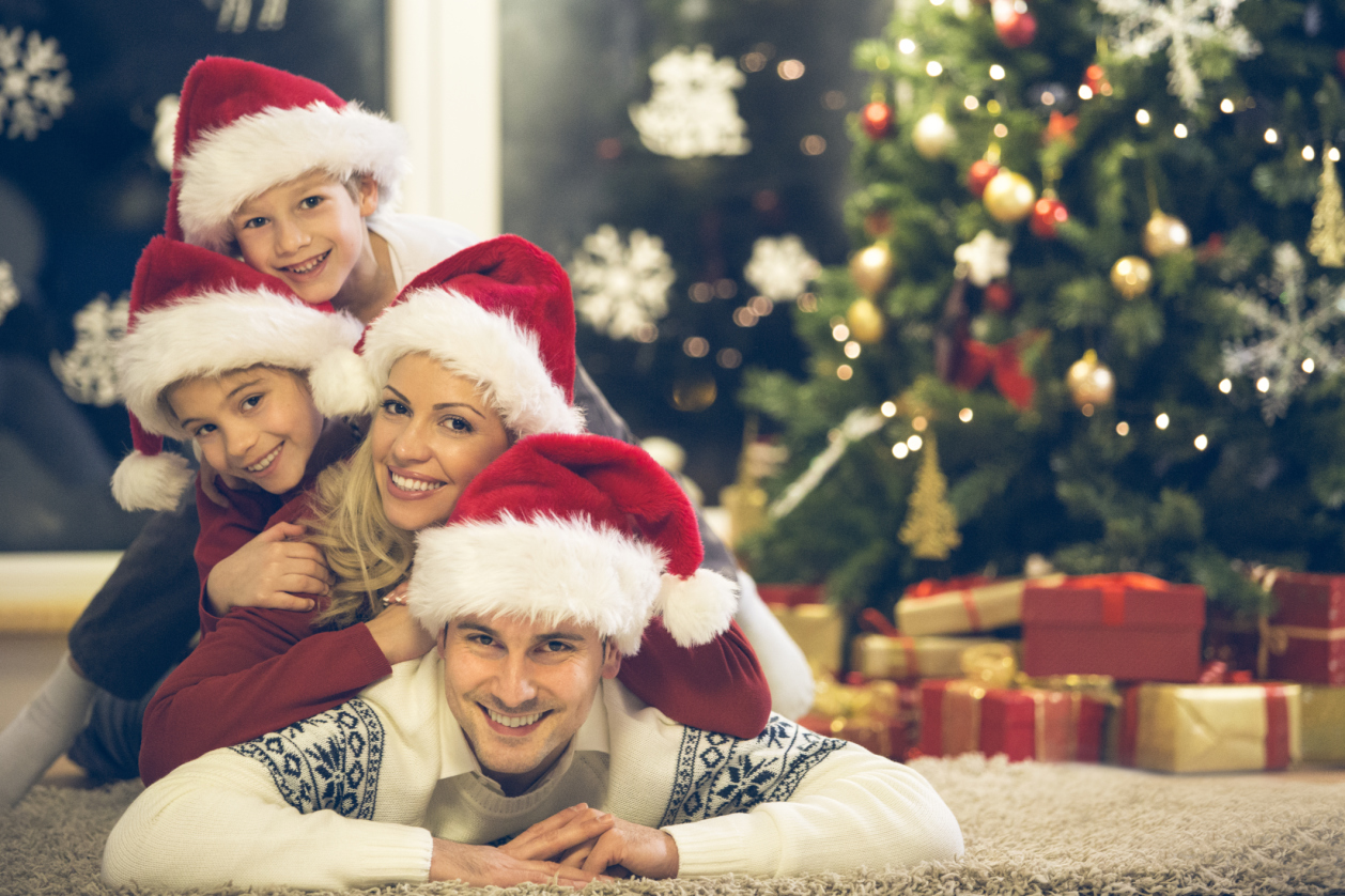 16 Family Christmas Card Photo Ideas That Will Wow Your