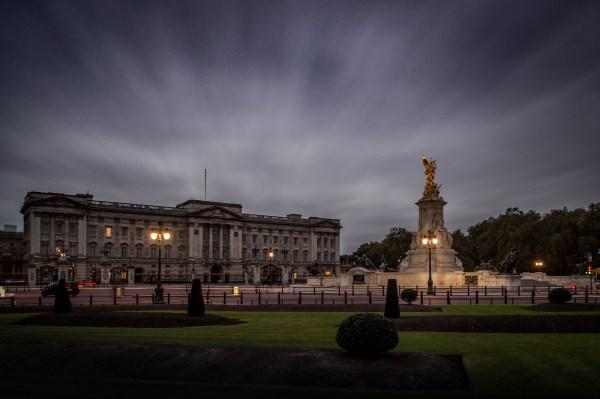 Buckingham Palace 775 Rooms & 8 Fascinating