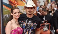 Kimberly Williams-Paisley Shares Vacation Video of Brad Paisley Comically Struggling Against Ocean Waves