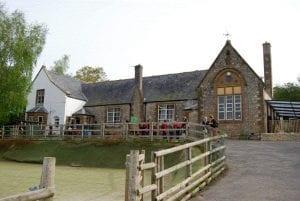 Colour photograph of Shute Primary School.