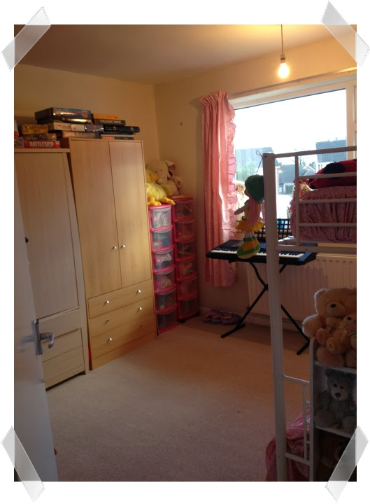 KayCee and Ella's bedroom with new carpet - redecorating